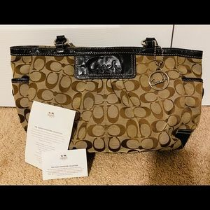 Coach Purse/Handbag Signature Collection